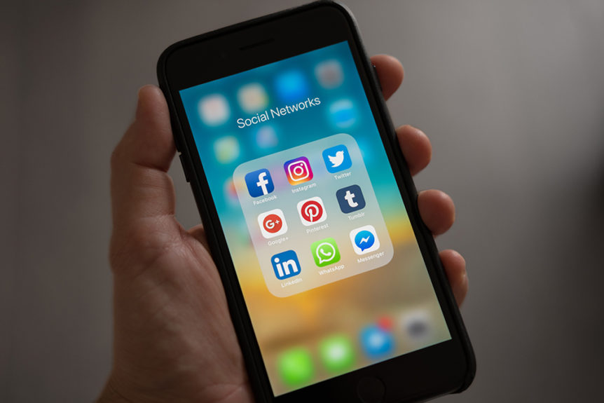 social media apps on phone featured image